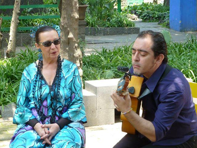 Martirio y Raúl en la Casa Azul